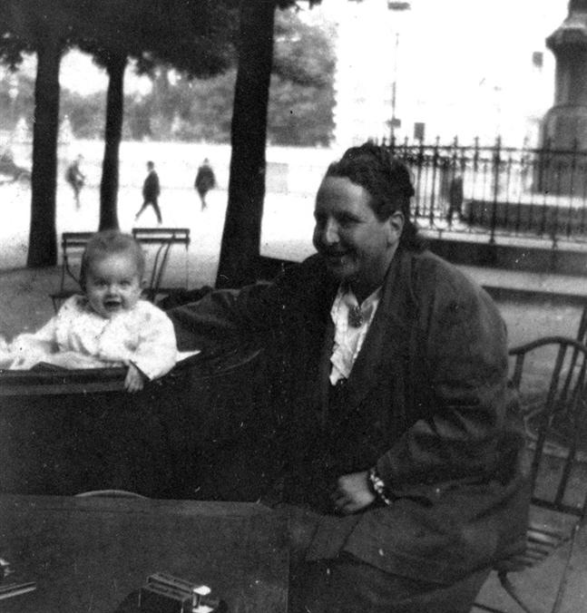 Gertrude Stein with Ernest Hemingway's infant son Jack in Paris (1924)